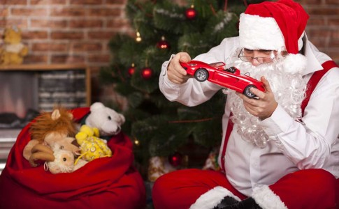Santa-Claus-Played-With-Toys