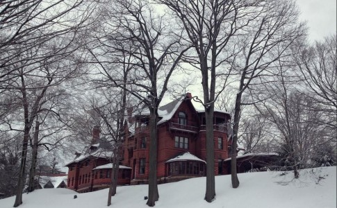 Mark Twain house in the snow