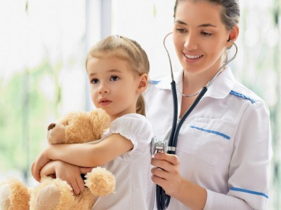 bigstock-doctor-examining-a-child-1024