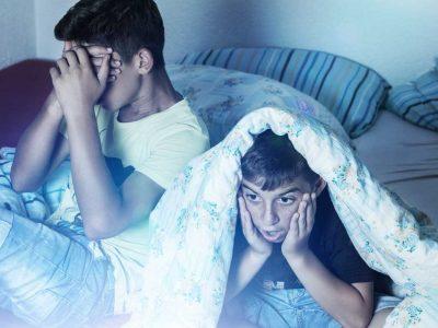 shocked-kids-watching-tv