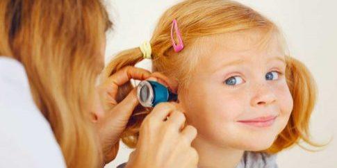 bigstock-Pediatrician-Doctor-Examining-1200