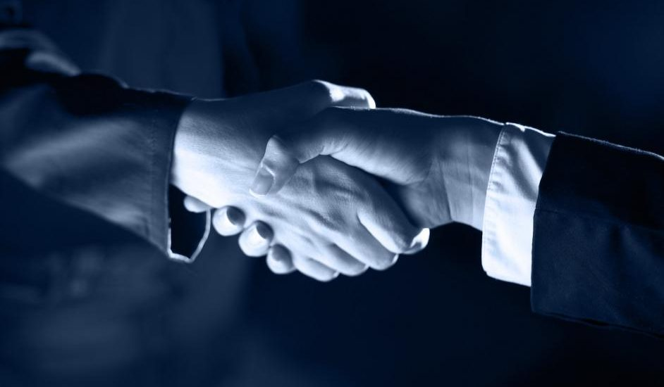 handshake-handshaking-and-light[1]