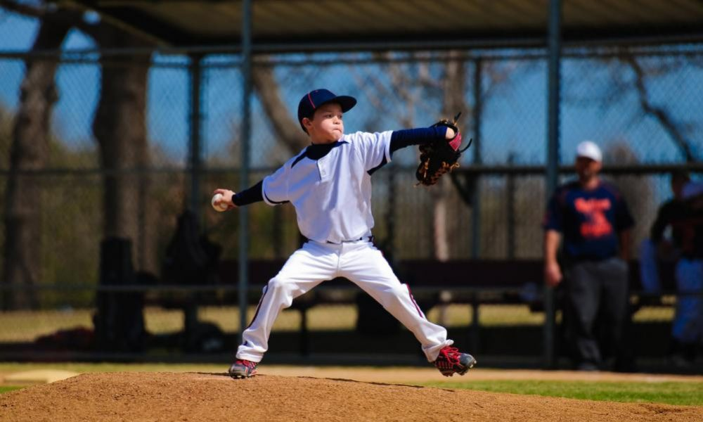 youth-baseball-pitcher-in-wind-up[1]