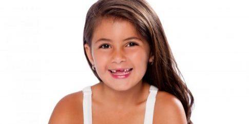 cute-girl-missing-teeth-smiling[1]