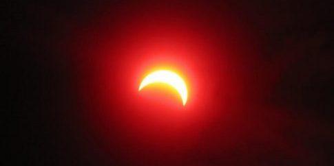 partial-solar-eclipse-ukraine-march-29-2006-through-filter[1]