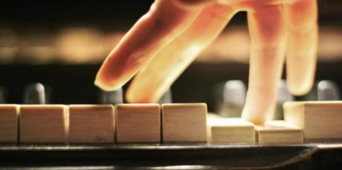 playing-piano[1]
