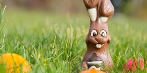 easter-hare-with-eggs[1]
